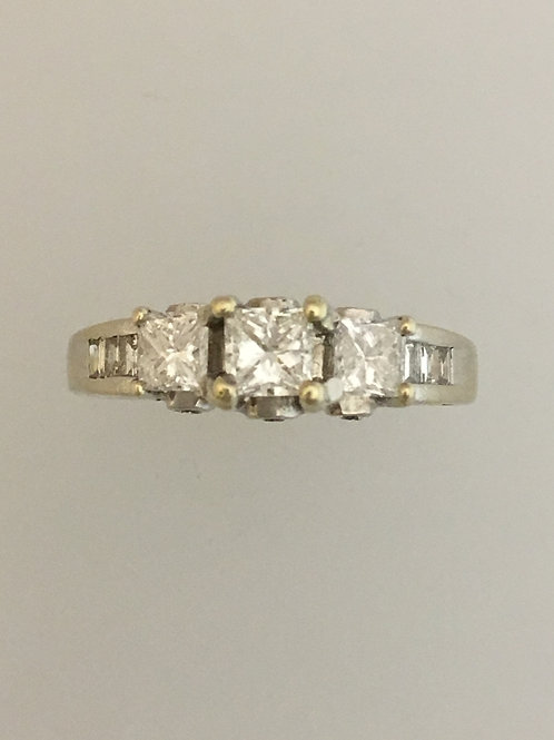 14k White Gold One Carat TW Diamond Ring Size - 5 1/2