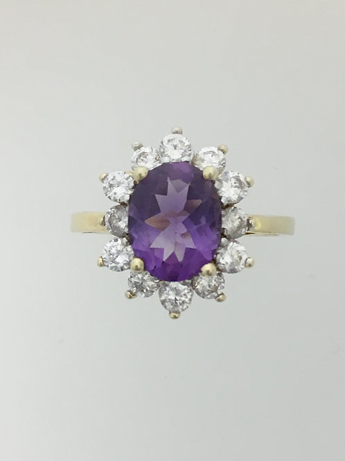 10k Yellow Gold and CZ Ring Size - 7 1/4
