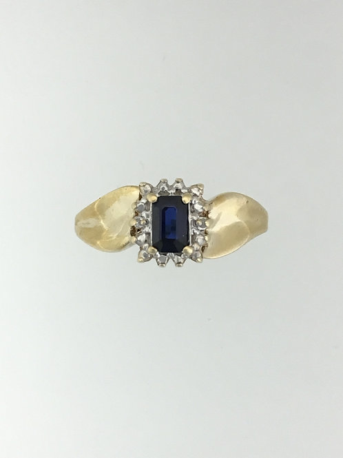 10k Yellow Gold .01Diamond and Synthetic Sapphire Ring Size - 7