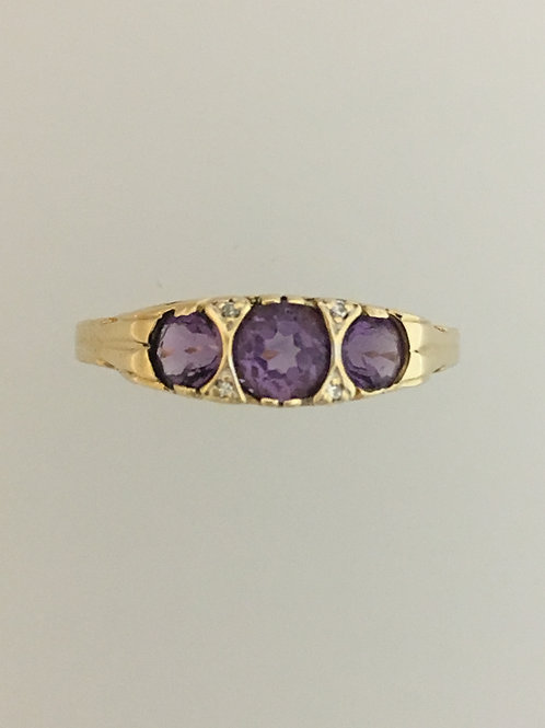 14k Yellow Gold Amethyst and Diamond Ring Size -10