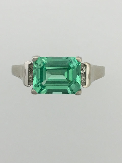 10k White Gold .06 Diamond Green Quartz Ring Size - 7 3/4