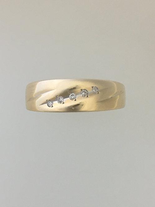 14k Yellow Gold .05 TW Diamond Ring Size - 9 1/2