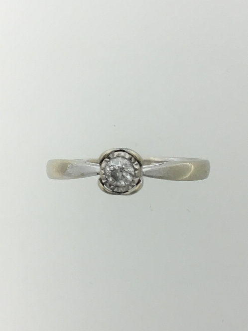 10k White Gold and .18 Diamond Ring Size - 9