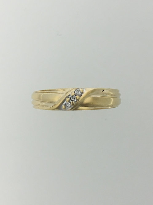 14k Yellow Gold and .05 Diamond Ring Size - 6 3/4