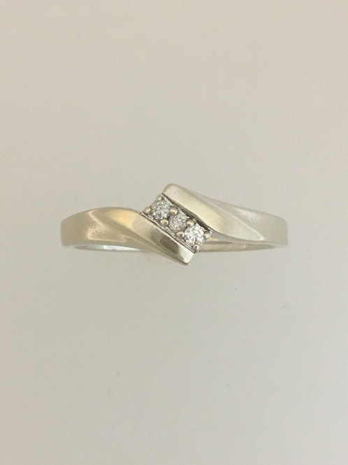 10k White Gold .05 Diamond Ring Size - 7