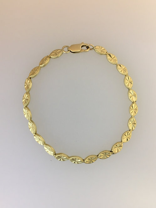 "14k Yellow Gold Link Bracelet Four and a Half Millimeters wide 7"" long"