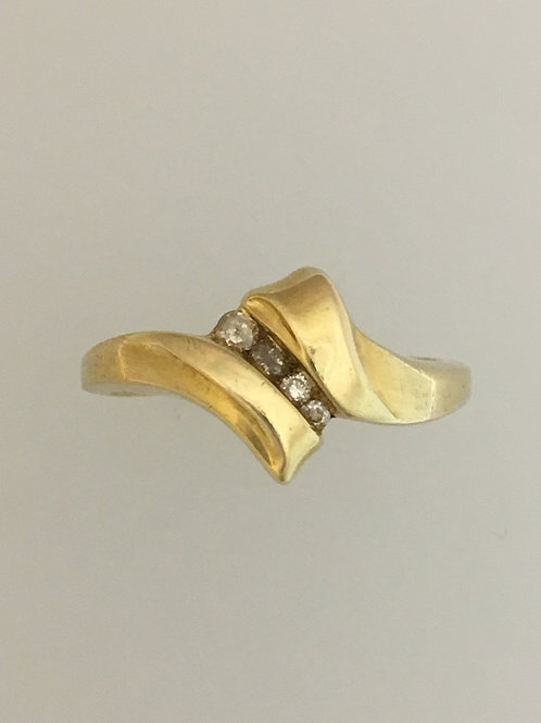 14k Yellow Gold .10 Diamond Ring Size - 7