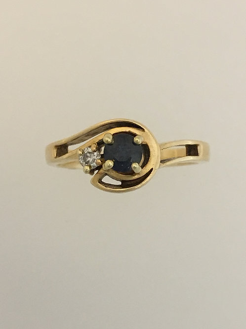 14k Yellow Gold .20 Sapphire and .04 Diamond Ring Size - 6
