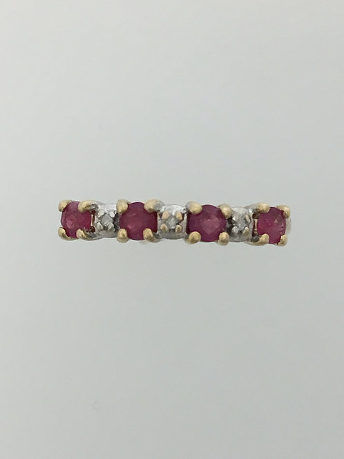 10k Yellow Gold .40 Ruby and .01 Diamond Ring Size - 6