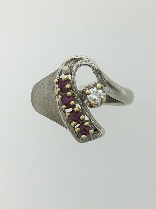 10k White Gold .12 Diamond and .08 Ruby Ring Size - 5 1/2