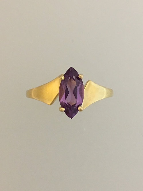 10k Yellosw Gold and Synthetic Amethyst Ring Size - 7