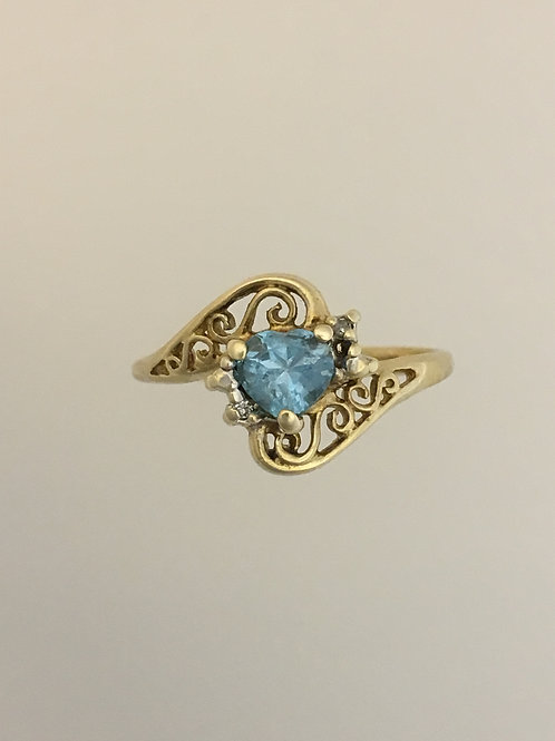 10k Yellow Gold .03 Diamond and Blue Topaz Ring Size - 6 3/4