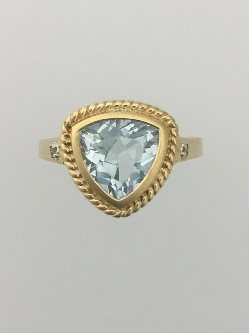 10k Yellow 1.75 Gold Blue Topaz Ring Size - 7
