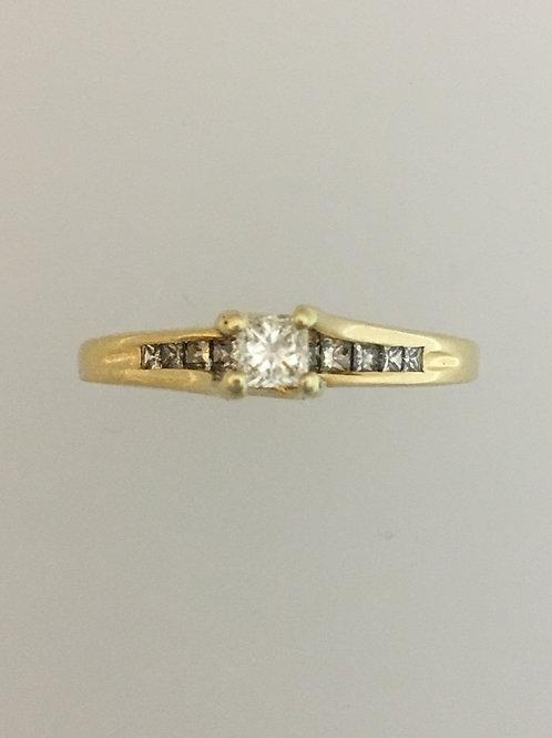 14k Yellow Gold .20 CS .50 TW Diamond Ring Size - 8 1/2