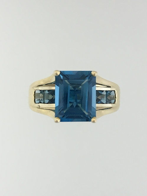 10k Yellow Gold and Blue Topaz Ring Size - 8 1/4