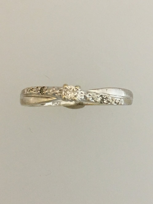 10k White Gold .03 TW Diamond Ring Size - 6