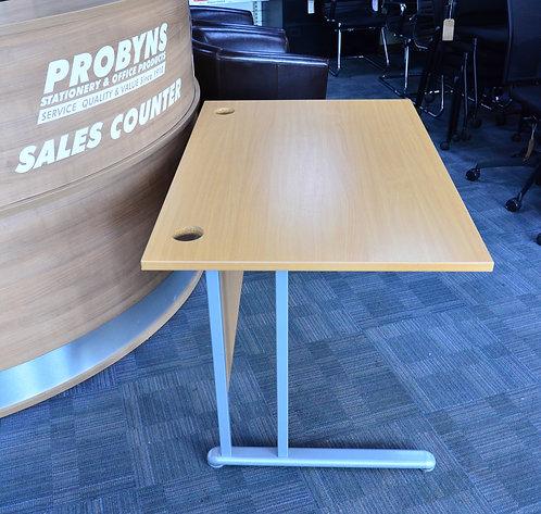 1200x800mm straight desk in Beech