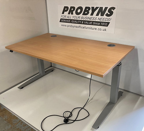 Sit/stand electric 1400x800mm straight desk in Beech
