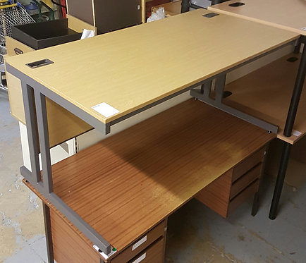 1500mm Oak Straight Workstation