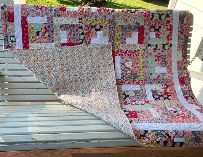 Log Cabin Quilt_Suzi Rourke_with back.jp