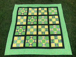 Bumblebee Picnic Quilt