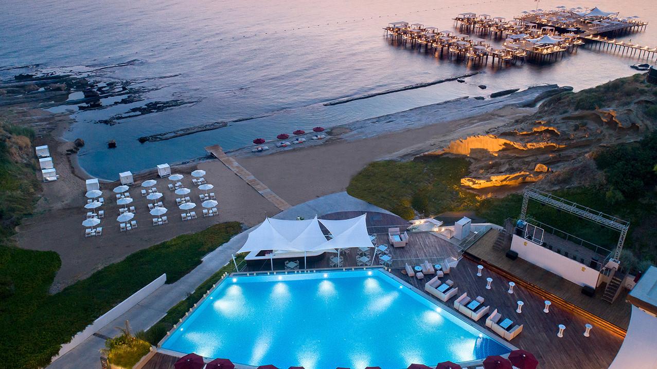 elexus-hotel-mia-beach-1.jpg
