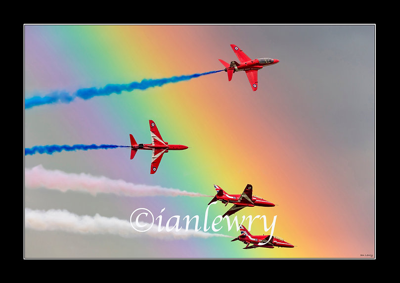 RED ARROWS WITH RAINBOW A2 SIZE speedfra