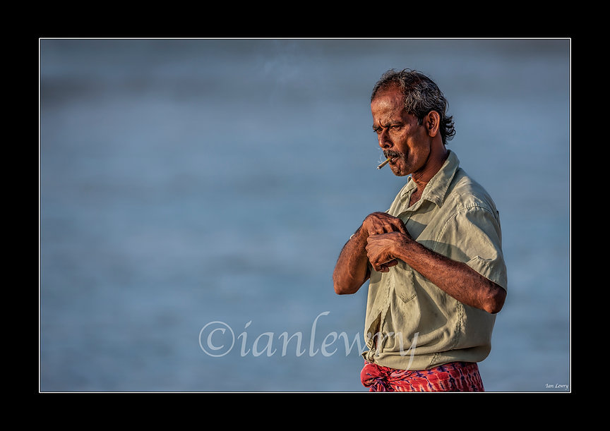 SRI LANKAN SMOKING FISHERMAN webpage 5SR