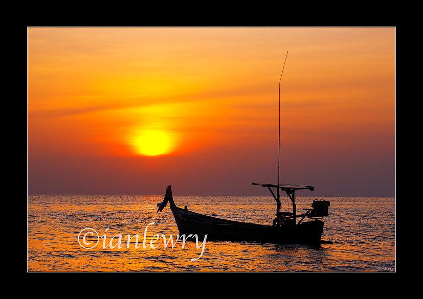THAILAND SUNSET A2 11222132658TH9.jpg