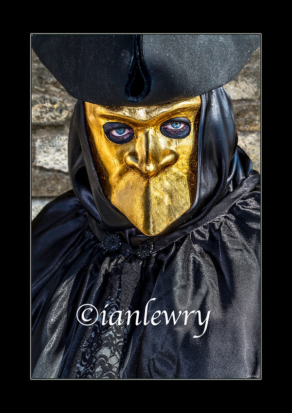 MAN IN GOLD MASK webpage PRINT 22213.jpg