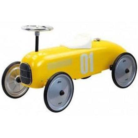"Grande voiture vintage jaune ""Vilac"""