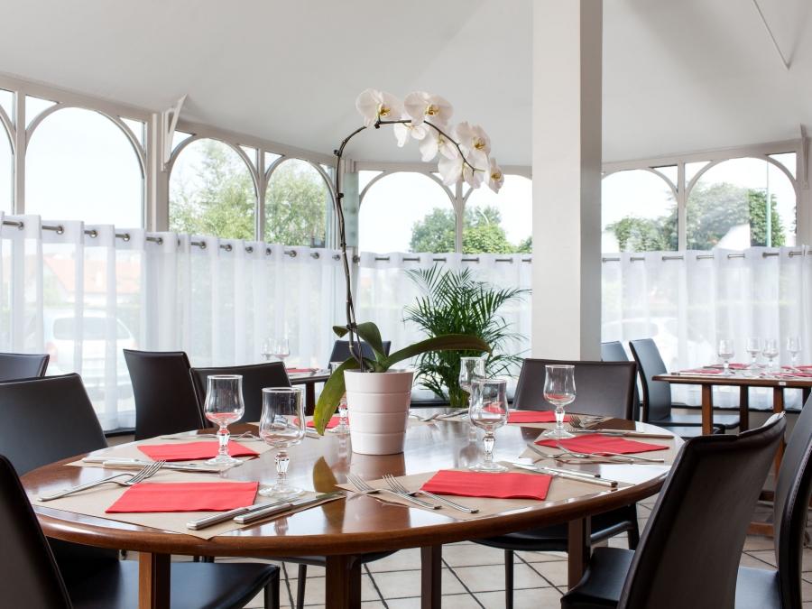 fr269-comfort-hotel-adelaide-morangis-paris-sud-morangis-restaurant4