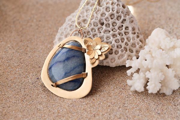 Pendentif en quartz bleu