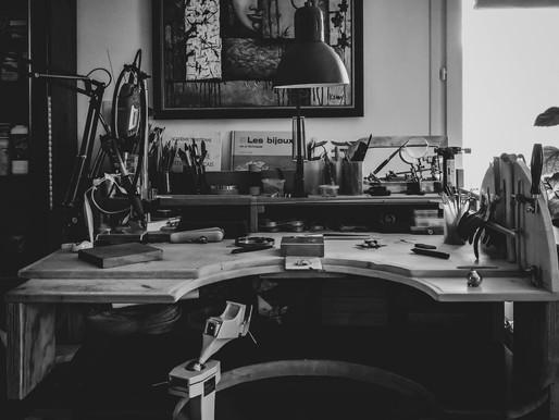 Naissance de l'atelier et création de mon établi de bijoutier.
