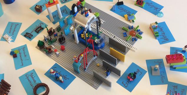 intrinsic_lego_Play.jpg