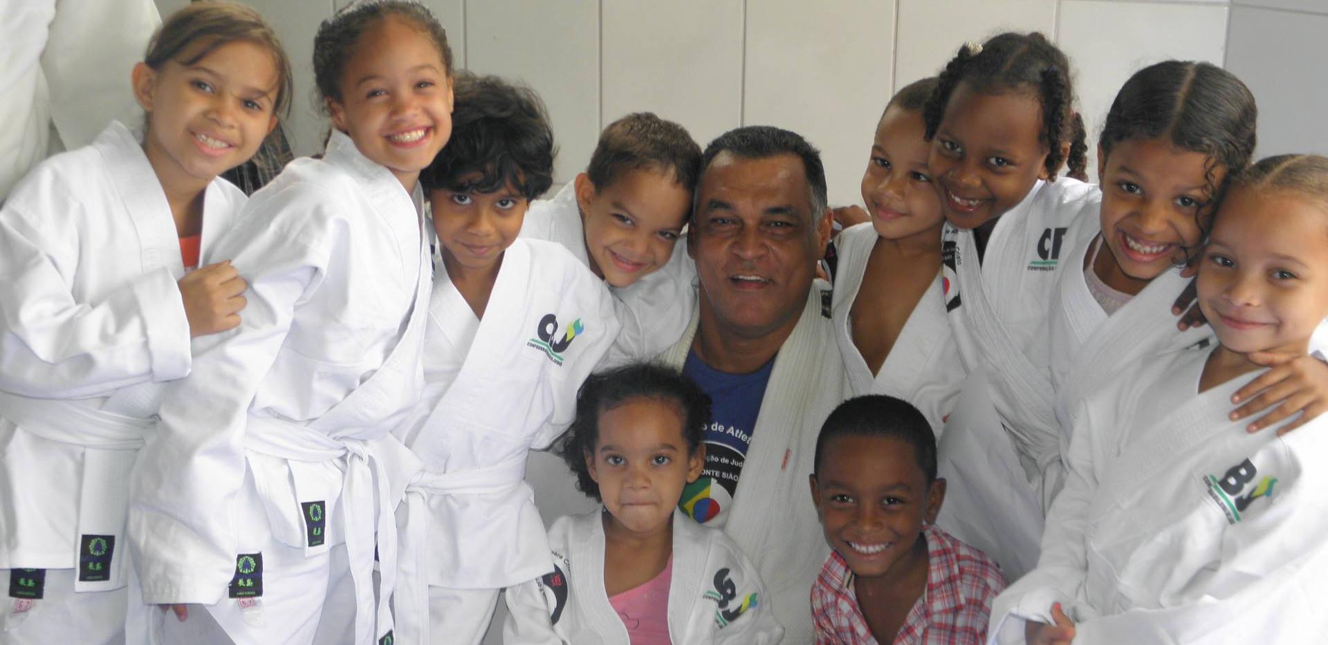 alunas de judo (2).jpg