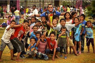 """Los niños migrantes que huyen de violencia y sueñan en el lomo de """"La Bestia"""""""