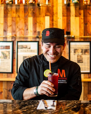 DE LA MIXTECA A EU: EL CHEF JUNIOR MERINO DONA COMIDA EN MICHIGAN
