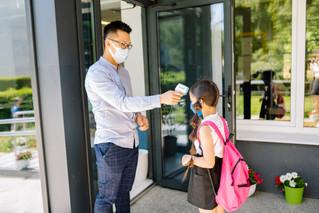 Niñas, niños y adolescentes en riesgo mortal debido a que asistirán a clases presenciales