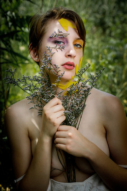 CFrenette-Gabrielle et les fleurs-7-6