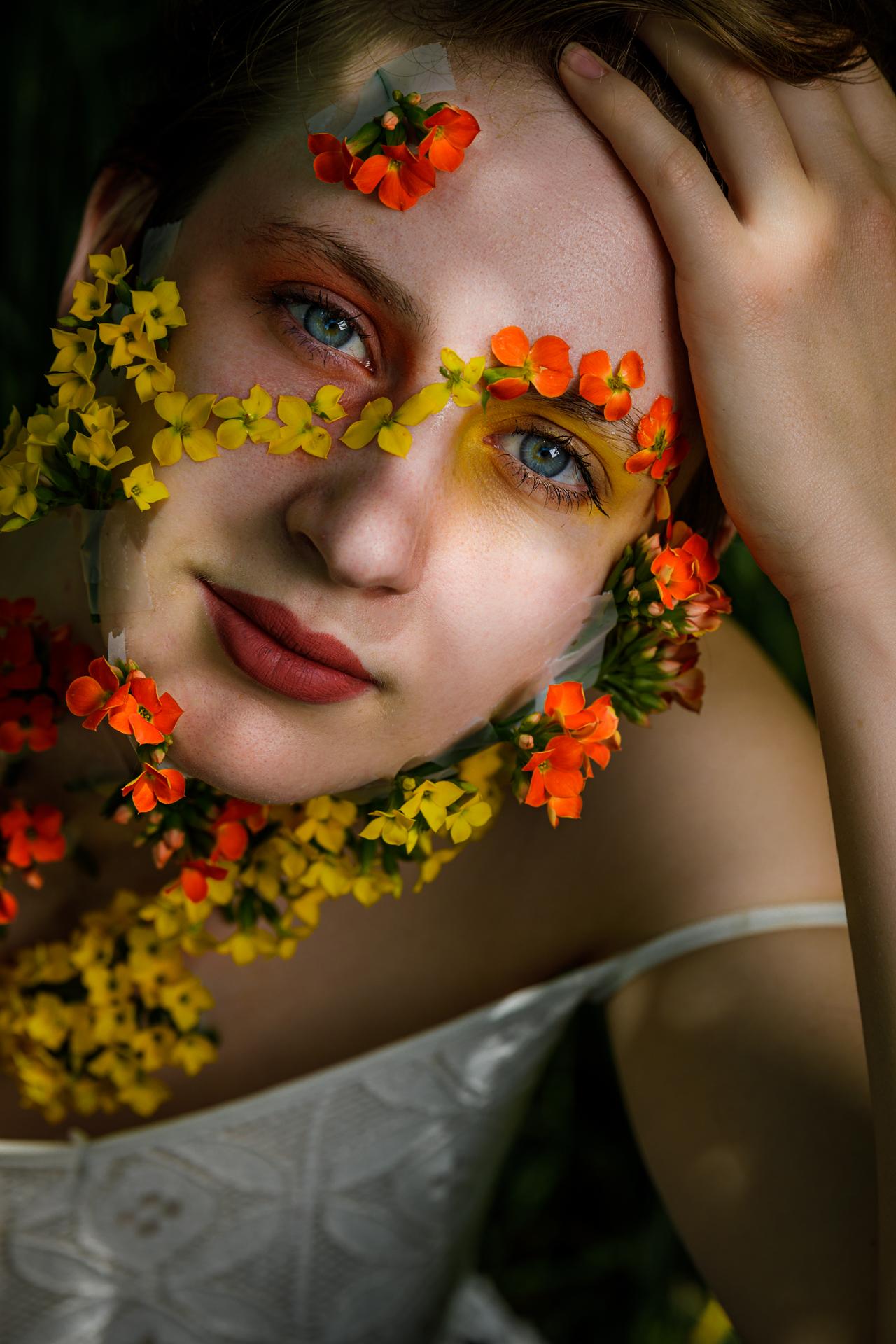 CFrenette-Gabrielle et les fleurs-7-11