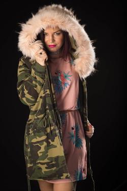 Cindy dans son manteau d'hiver-3