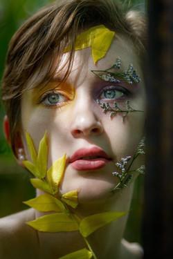 CFrenette-Gabrielle et les fleurs-7-2
