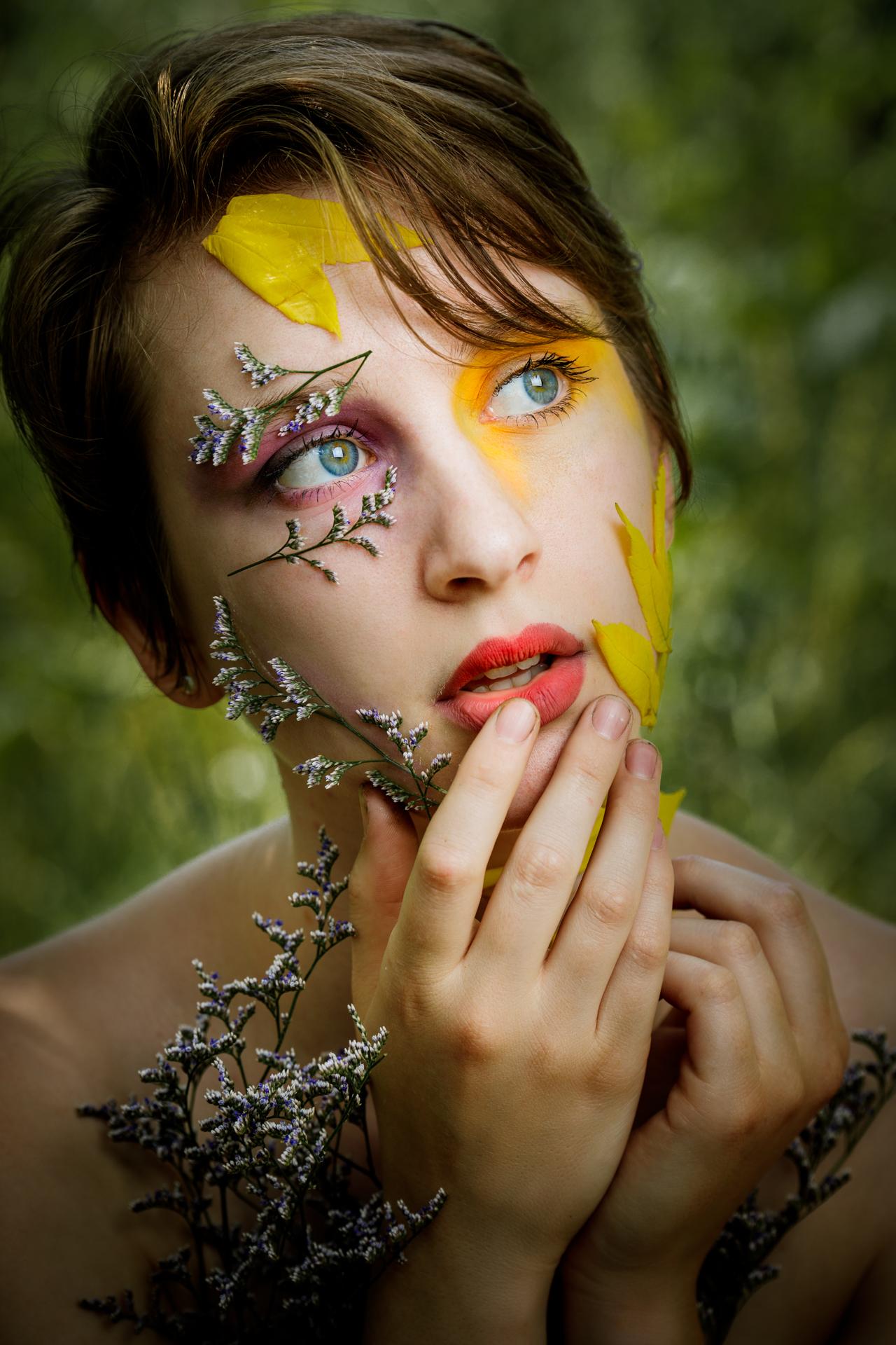 CFrenette-Gabrielle et les fleurs-7-4