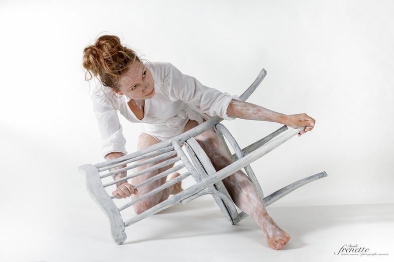 le corps et la chaise-3.jpg