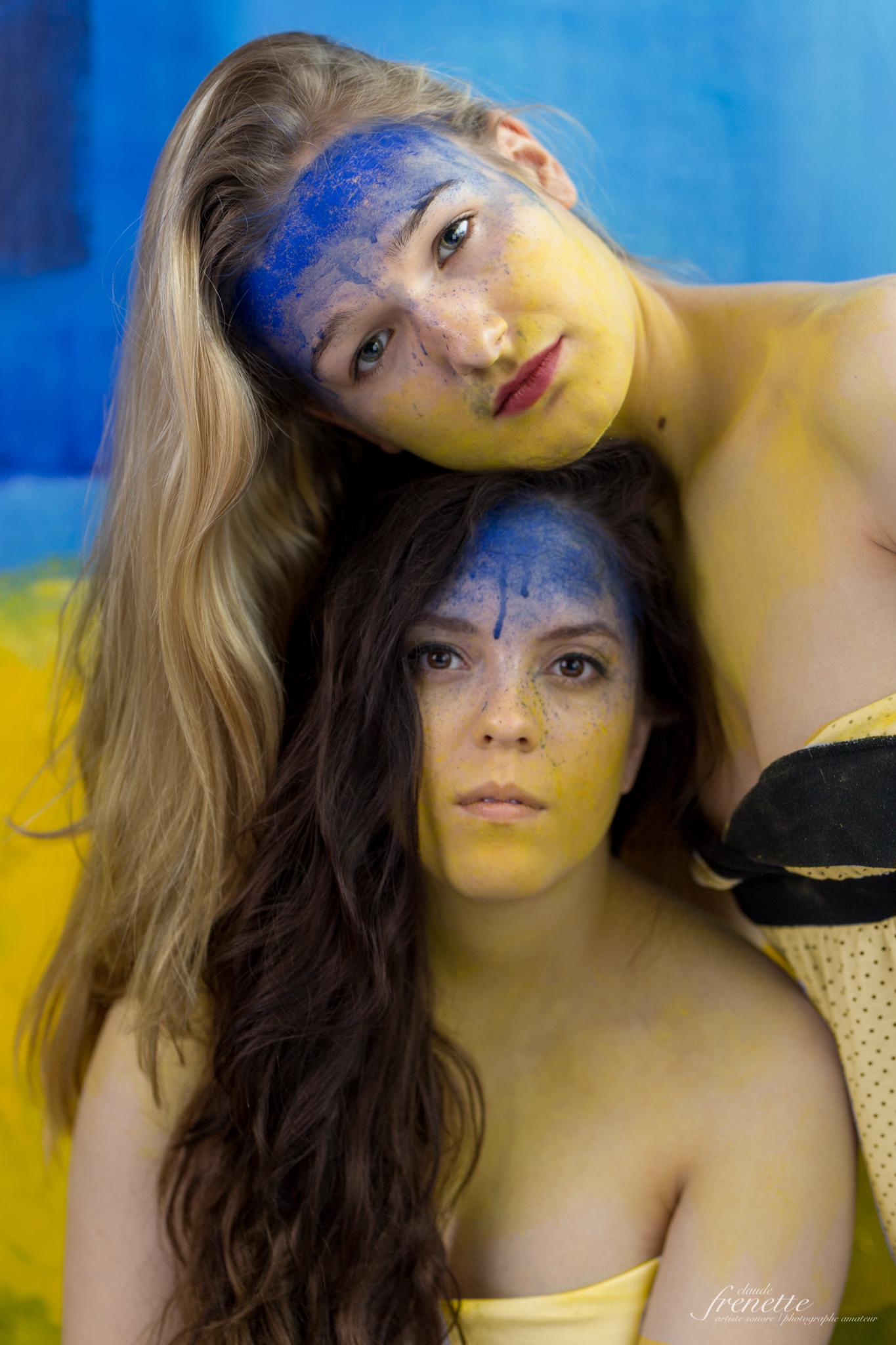Aquarelle sur peau, acrylique sur bo