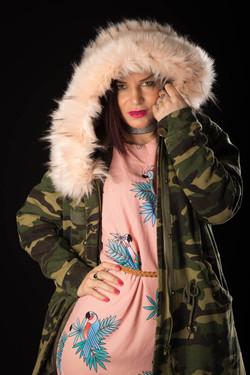 Cindy dans son manteau d'hiver-4
