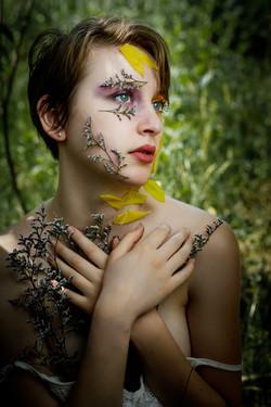 CFrenette-Gabrielle et les fleurs-7-3