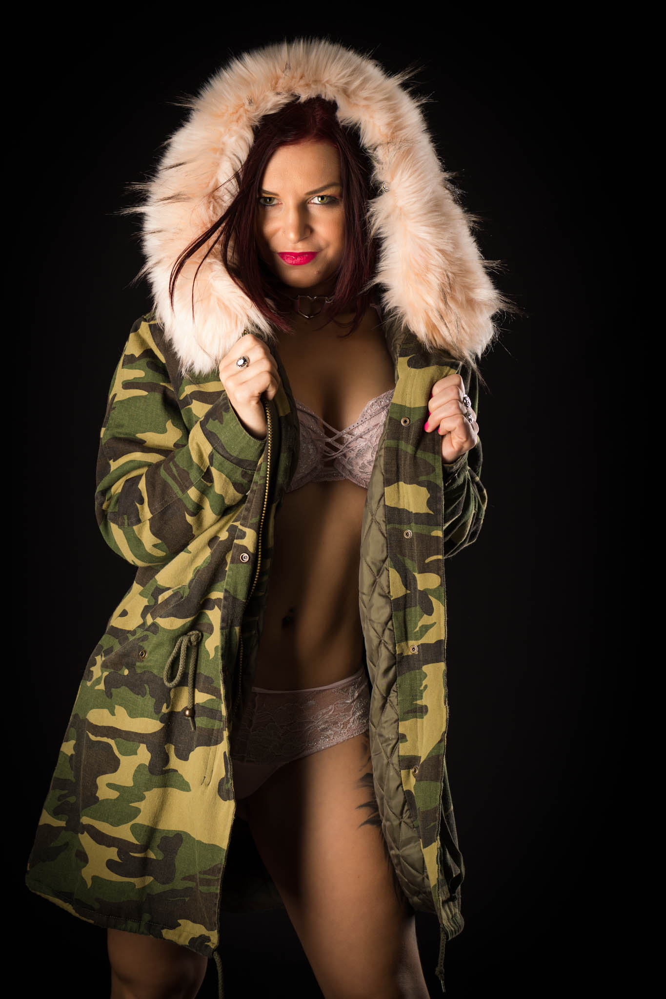 Cindy dans son manteau d'hiver-7