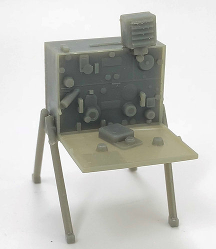 SCR-284 Radio Set with table